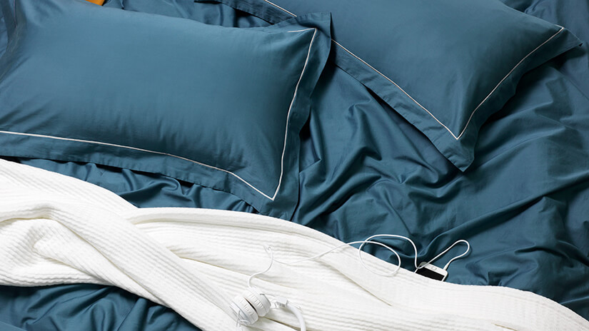 Matching Bed Linen and Pillowcases. Solid colour. Premium uniform look.