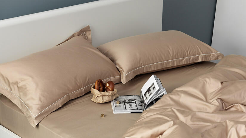 Natural Brown's warm earthy tones complement most interiors. The perfect fit for any bedroom.