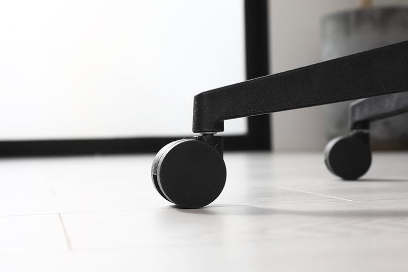 Black nylon castor wheels. Move around easily.