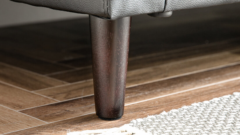 Solid wood legs that provide durable and sturdy support.