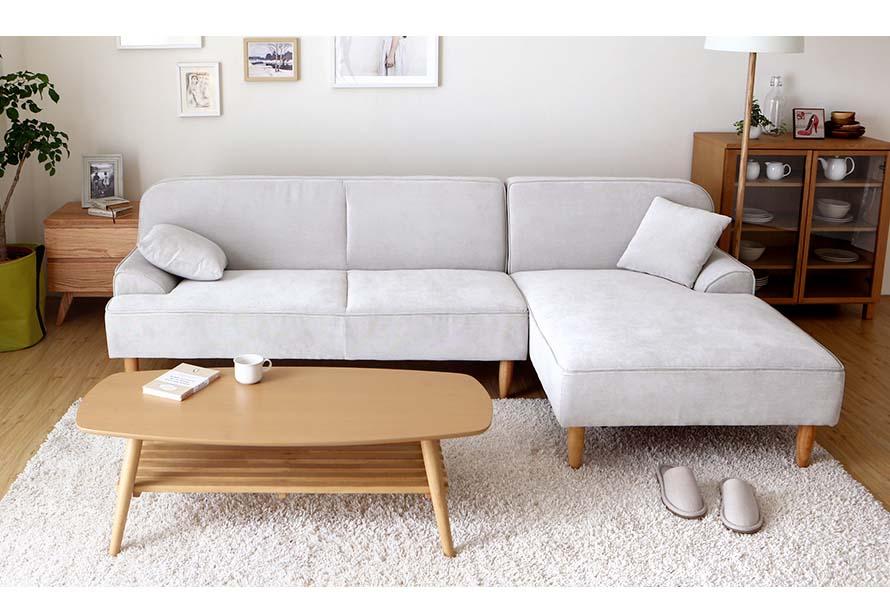 The white dile fabric sofa