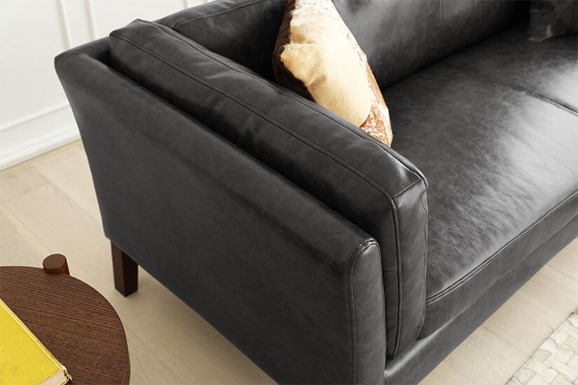 Dual-tone leather grain texture.