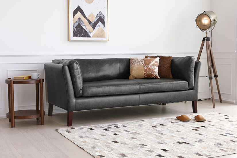 A classic sofa design that is easy to match in most living rooms.