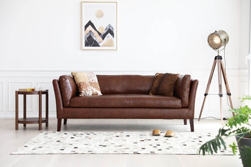 Elegant and classy. Suitable for modern living rooms.