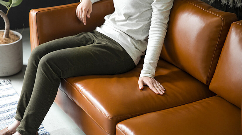 Cushions bounces back up and do not sag easily. Even after long hours of sitting.