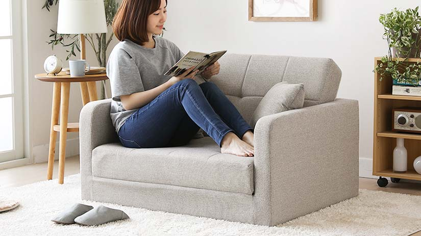 The sofa has a load capacity of 150kg. You can sit on the sofa comfortably without any worries.