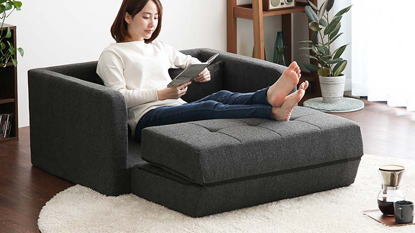 Maximise the functionality of your backrest and use it as a leg rest to turn your sofa into a sofa couch.
