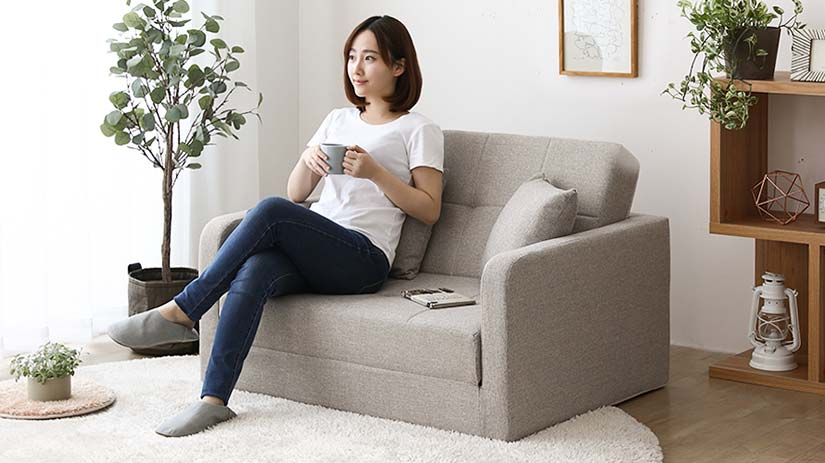 A compact design that does not compromise on comfort. Relax and sit onto the sofa's high-density cushions.