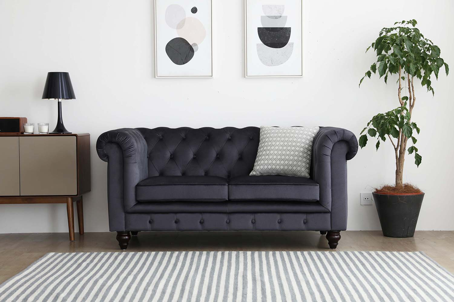 07e955548a08 Popular since their origination in the mid 18th century, it's easy to know  why the chesterfield sofas are an enduring design.