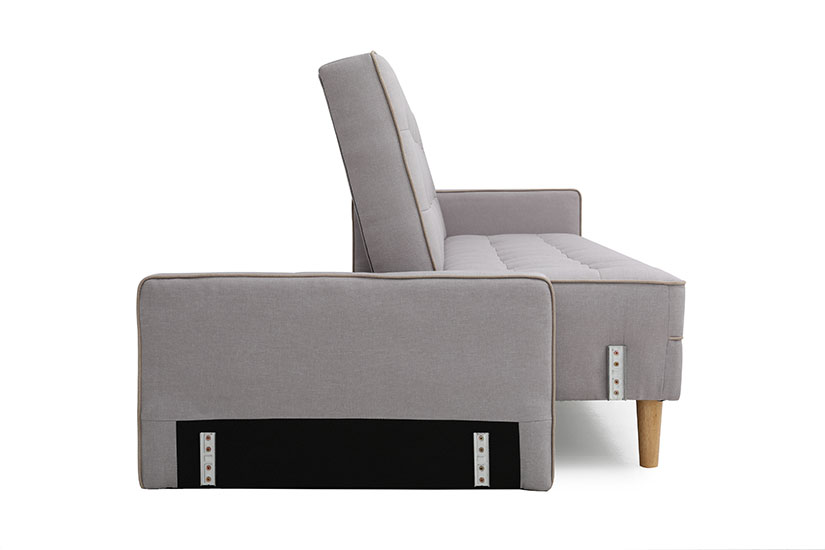 Our removable arm-rests ensure everyone gets to cosy up and snuggle on the Olivia sofabed. No matter how tall you are.