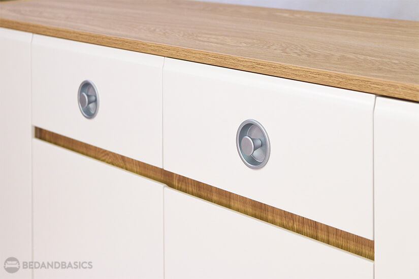 Silver-finished handles add elegance and provide an easy grip.