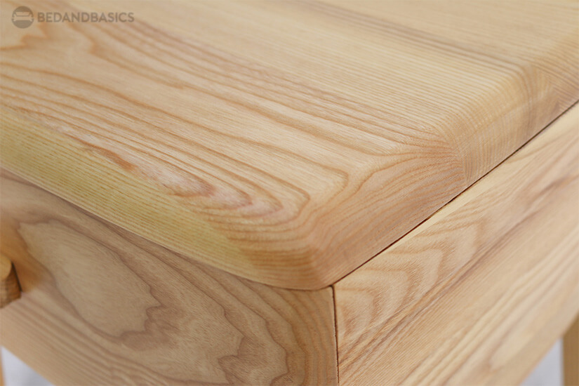 Curved corners make it safer for household with children.