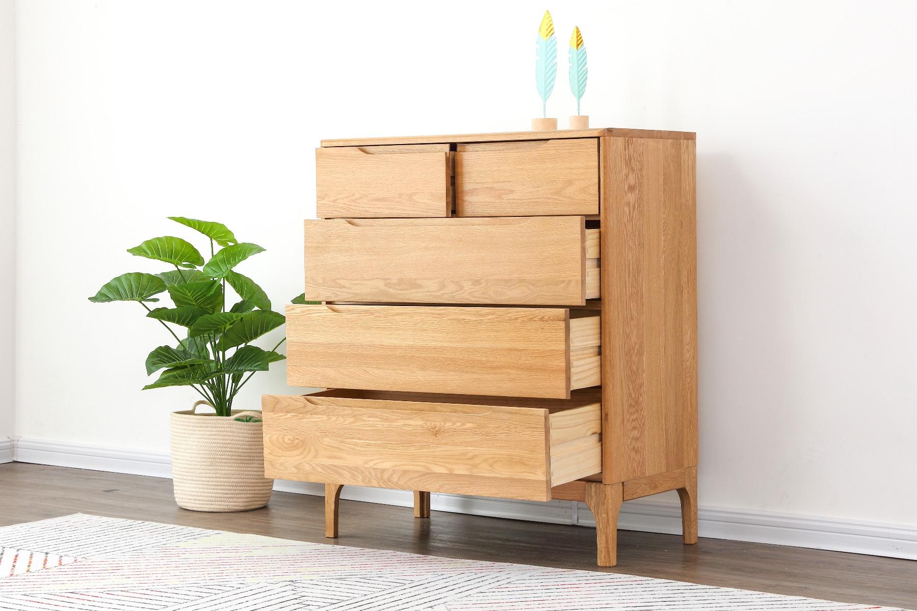Generous storage space. 5 deep drawers.