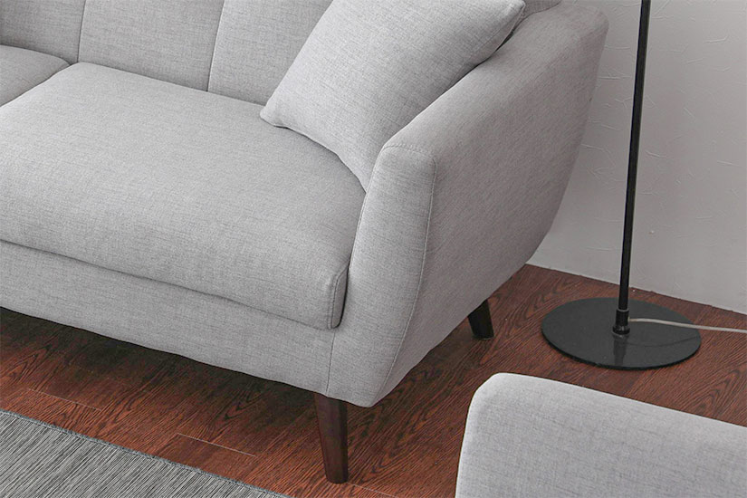 Tall, cushioned armrests for added comfort and premium feel.