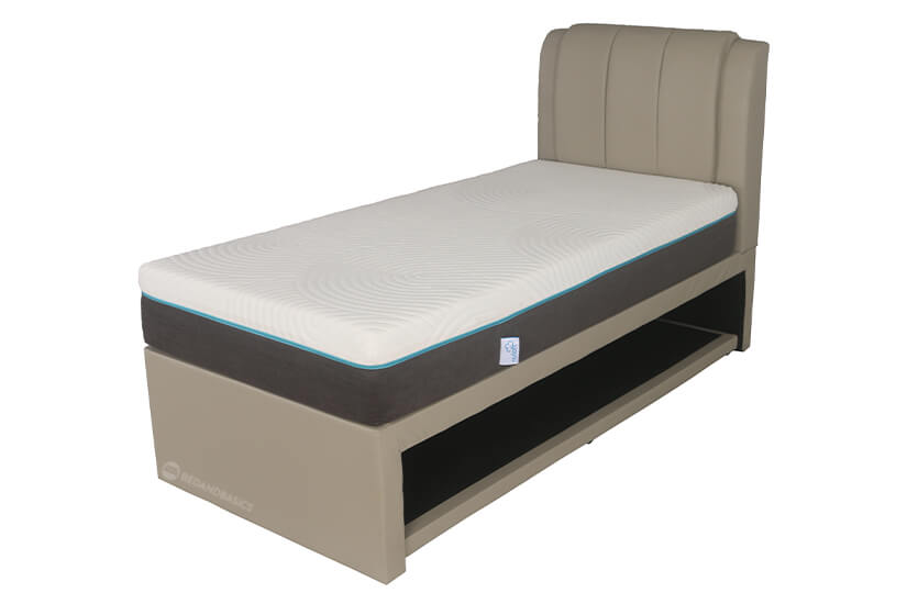 Comes with a detachable pull-out frame that allows for a second mattress. Absolutely perfect for sleepovers and guest bedrooms!