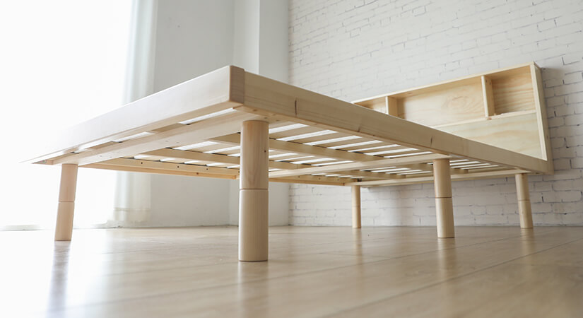 Additional legs are added at the centre of the bed frame for better weight distribution.